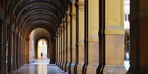 长廊里的购物圣地-博洛尼亚大道
