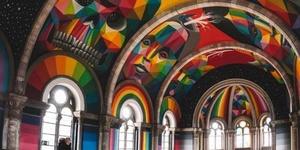 西班牙废弃百年教堂变身多彩旱冰场