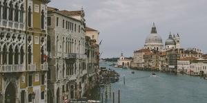 威尼斯|戴着面具的水城